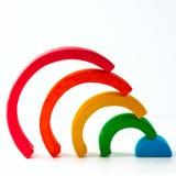 Радуга, пестротканая деревянная игрушка eco На белизне Стоковые Фото