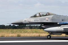 Реактивный самолет истребителя F-16 Стоковое Изображение RF