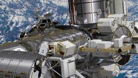 Реалистическая 3D анимация ИСС международной космической станции вращаясь над атмосферой земель Выход в открытый космос астронавт