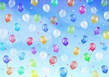 Реальные красочные воздушные шары плавая на яркое небо Стоковая Фотография