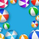Реалистические красочные шарики пляжа - резиновые или пластичный материал иллюстрация штока