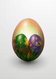 Реалистическое покрашенное пасхальное яйцо Стоковые Фото