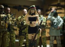 Реалистическое человека и женщины игрушки миниатюрное Стоковая Фотография