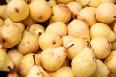Реальные естественные персики закрывают вверх по предпосылке Стоковое фото RF