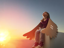 Ребенк с крылами птицы Стоковые Фото