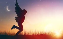 Ребенк с крылами птицы Стоковые Фотографии RF
