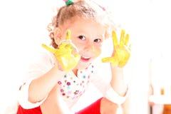 ребенок вручает покрашенное счастливое стоковое фото rf