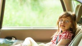 Ребенок в автомобиле Перемещение отключения каникул праздников Стоковое Изображение