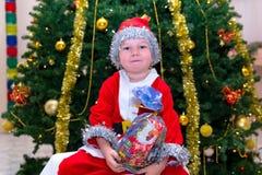 Ребенок в костюме гнома рождества Стоковое Фото