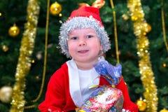 Ребенок в костюме гнома рождества Стоковая Фотография