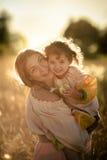 Ребенок в поле пшеницы Стоковое Изображение RF