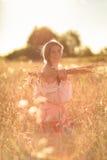Ребенок в поле пшеницы Стоковое фото RF