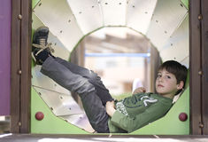 Ребенок в спортивной площадке Стоковые Фото