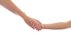 ребенок давая мать руки к стоковое изображение rf