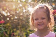 Ребенок девушки на улице Стоковые Фотографии RF