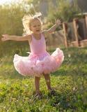 Ребенок девушки на улице Стоковые Изображения RF