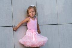 Ребенок девушки на улице Стоковое Фото