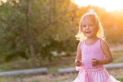 Ребенок девушки на улице Стоковые Изображения