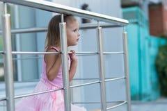 Ребенок девушки на улице Стоковая Фотография RF