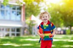 Ребенок идя назад к школе, старту года Стоковое Изображение