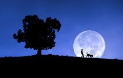 Ребенок и его собака Стоковые Изображения RF