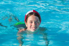 Ребенок на бассейне Стоковая Фотография