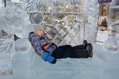 Ребенок на кресле льда Стоковое Изображение RF