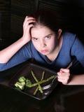ребенок отказывая овощи стоковое изображение rf