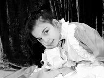 Ребенок одетый как дама стоковые фотографии rf