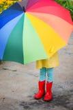 Ребенок с зонтиком Стоковая Фотография
