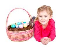 Ребенок с корзиной пасхи Стоковые Изображения RF