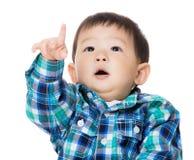 ребенок указывая вверх Стоковая Фотография RF