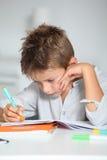ребенок учя написать Стоковая Фотография RF