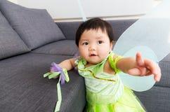 Ребёнок Азии с шлихтой партии хеллоуина Стоковая Фотография