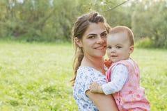 ребёнок ее мать Стоковая Фотография