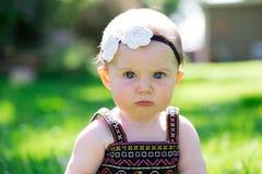 Ребёнок 6 месяцев старый Outdoors Стоковое Изображение RF
