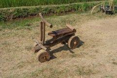 древесина сухих рук велосипеда людская сделанная деревянная Стоковые Фотографии RF
