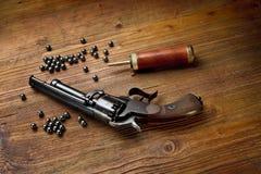 Револьвер пистолета выстукивания Стоковое фото RF