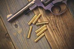 Револьвер Nagan с патронами Стоковые Изображения RF