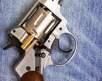 Револьвер Nagan с патроном Стоковая Фотография