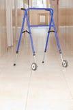 Регулируемый складывая ходок для пожилых людей Стоковое Изображение
