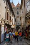 редакционо Май 2018 Туристы на улице города Carca стоковая фотография rf