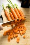 резать морковей Стоковая Фотография RF