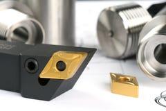 резать поворачивать инструмента lathe вставок Стоковые Изображения RF