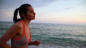 Кругу спортсменки пляж видео фото пятеро