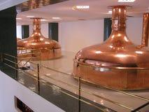резервуары пива стоковое изображение rf