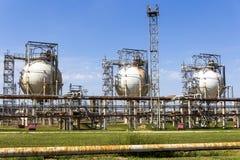 Резервуары рафинадного завода Стоковое Изображение