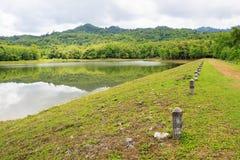 Резервуар на исследовании Jedkod Pongkonsao естественных и центе экологического туризма стоковое изображение rf