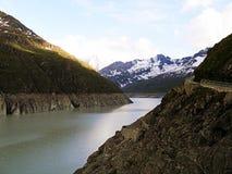 Резервуар Dix, запруда грандиозного Diksens, Швейцарии Стоковые Фотографии RF