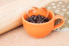 Резец печений сердца в чашке Стоковое Изображение